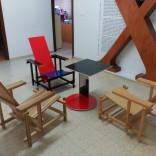 Cadeira Vermella e Azul. IES de Ortigueira
